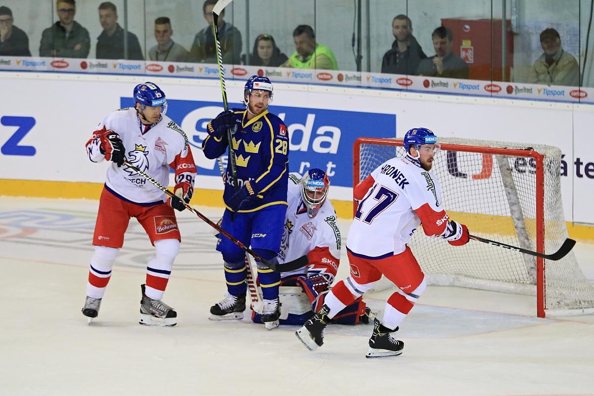 Češi jsou skvělí hokejisté, je zábava proti nim hrát, říká švédský forvard Elias Lindholm