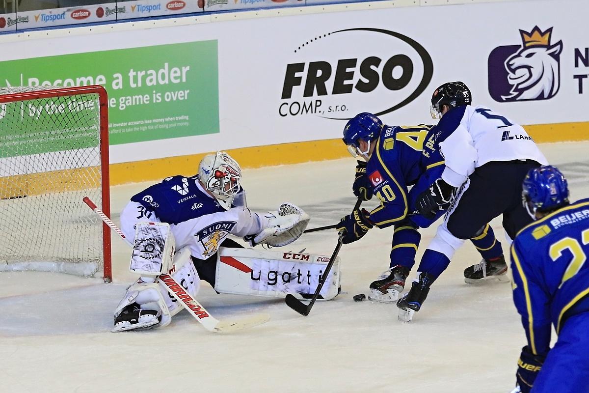 Finové poprvé padli, v severském derby těsně nestačili na Švédsko