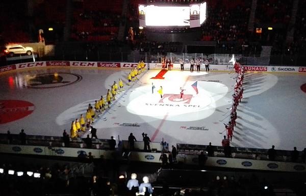 Český tým na úvod turnaje nestačil na domácí Švédsko. Rozhodla první třetina