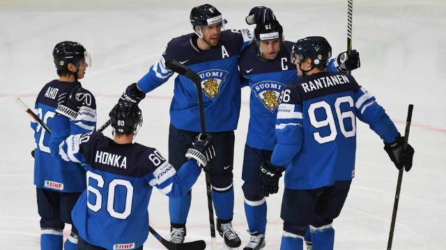Skvělý výkon, budeme se z něj odrážet, září Fin Julius Honka po výhře nad Rusy