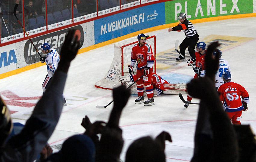 Češi s Finy těsně prohráli, rozhodly přesilové hry