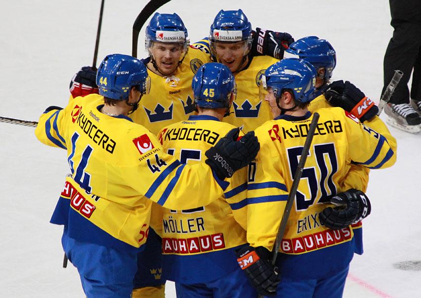 Rusové doplatili na trápení v koncovce a Švédsku podlehli o dvě branky